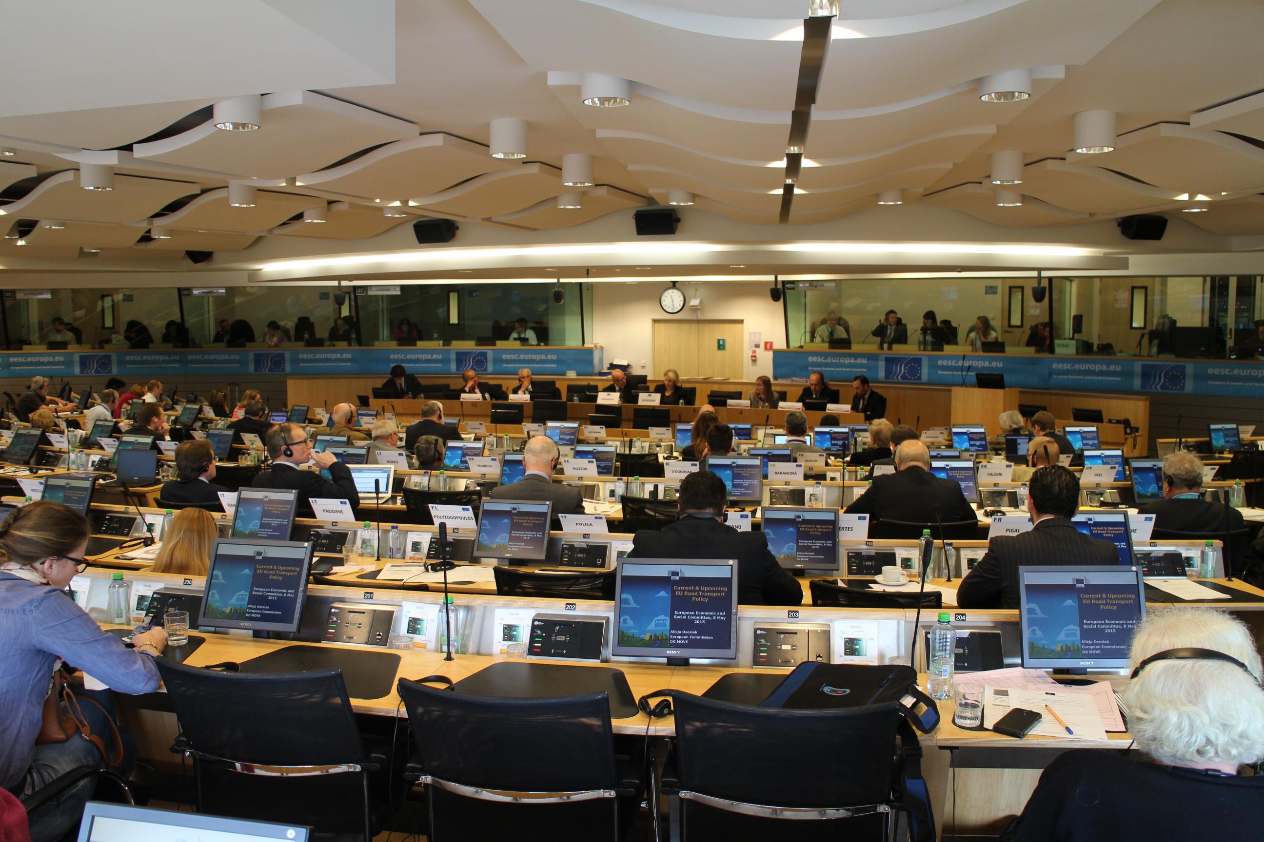 Alonso & Asociados debate en el Comité Económico y Social de la UE sobre transporte por carretera