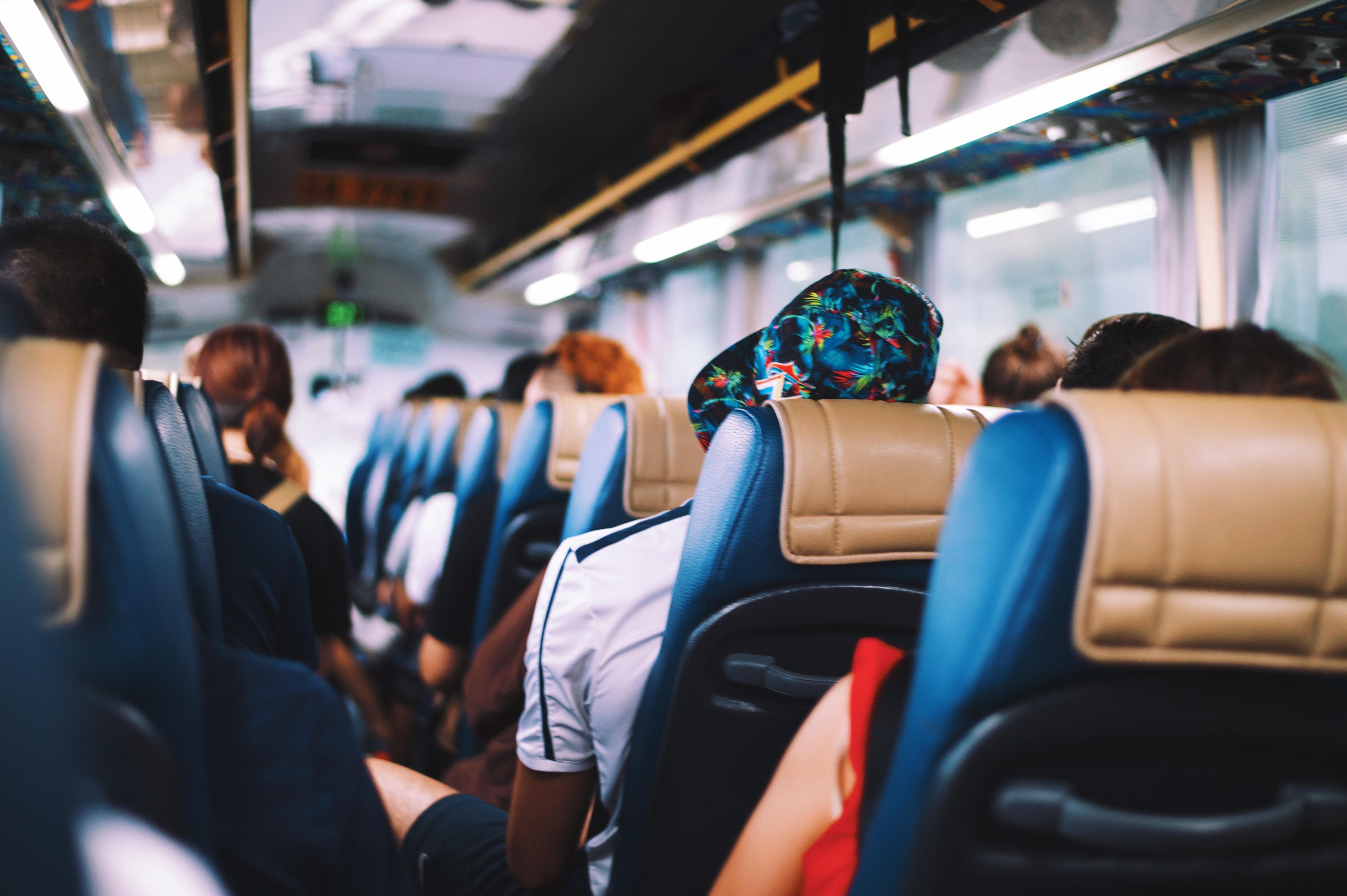 Los usuarios del bus de enhorabuena gracias a Europa